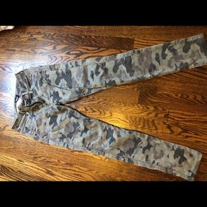 HUDSON CAMO JEANS GREAT CONDITION